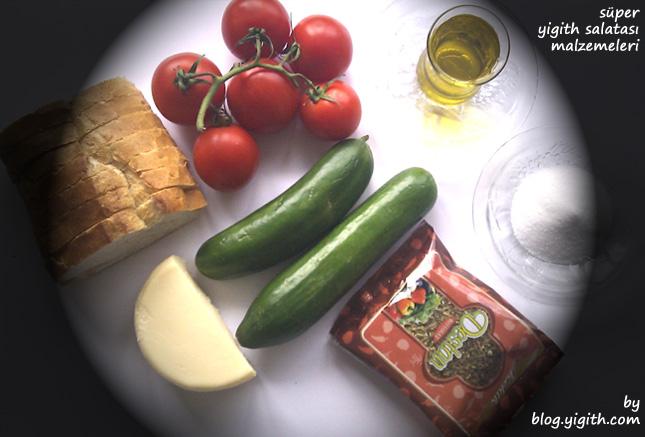 Süper Yigith Salatası Malzemeleri Domates Salatalık Kaşar Zeytinyağı Kekik Tuz