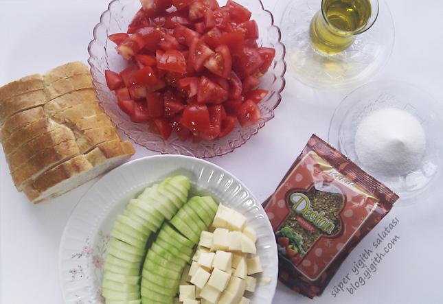 Süper Yigith Salatası Domates ve Kaşar Küp Doğranmış, Salatalık Halka Dilimlenmiş